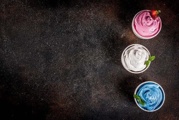 Varios yogurt congelado