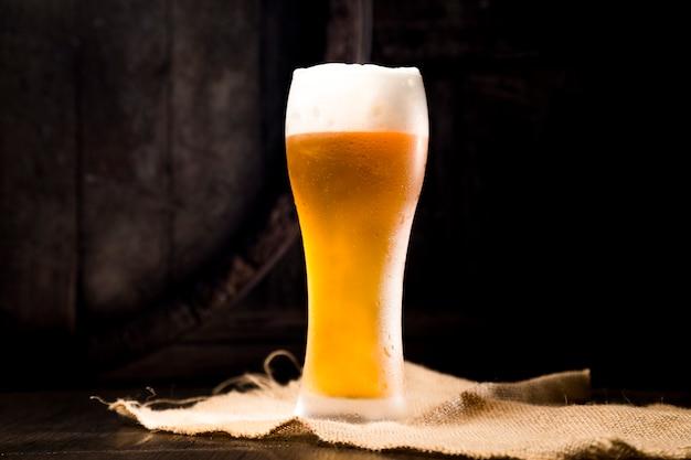 Vaso de cerveza lleno