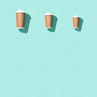 Vaso de papel para llevar artesanal en blanco para café o bebidas
