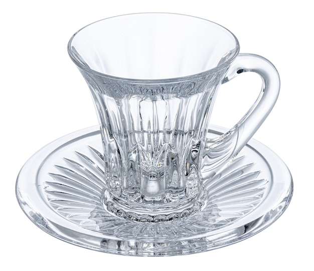Vaso vacío para té aislado en blanco