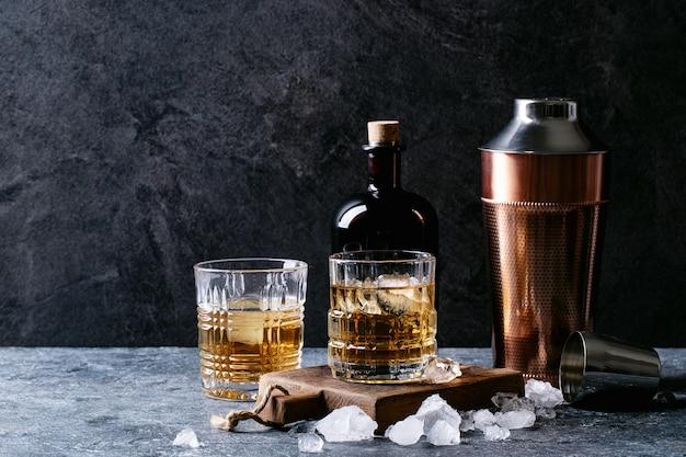 Vaso de whisky irlandés