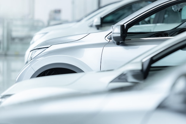 Venta de autos, industria automotriz, concesionario de autos, estacionamiento.