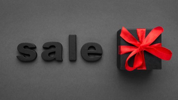 Venta y concepto de cyber monday de caja de regalo
