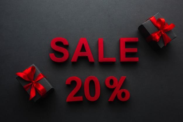 Venta con veinte por ciento de descuento y regalos