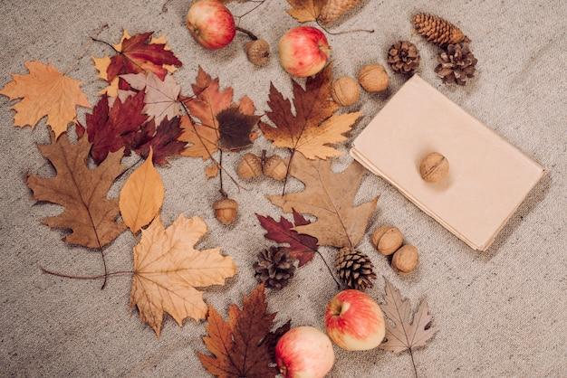 Venta de viernes negro. lugar para su texto. listo para texto. tendencia de caída de hojas y moda de otoño. diseño y decoración otoñal. lema o producto.