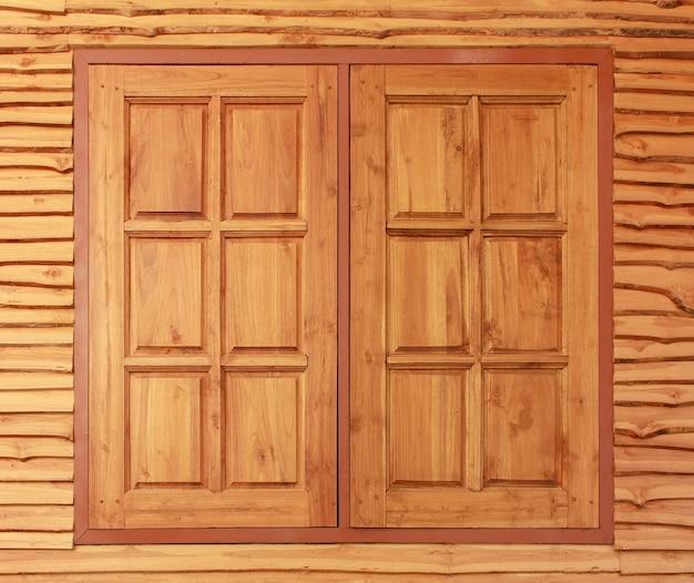 Ventanas de madera de teca