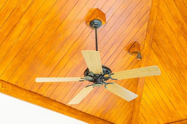 Ventilador de techo eléctrico decoración interior de habitación