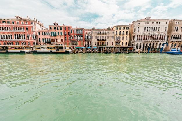 Ver en el canal en venecia, italia.