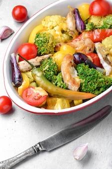 Verduras al horno con pollo