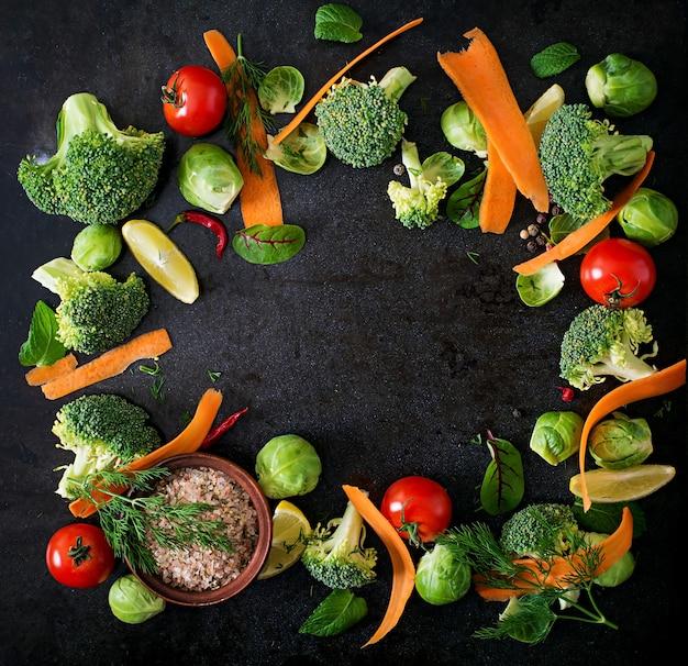 Verduras frescas para una dieta saludable. comida vegetariana. vista superior