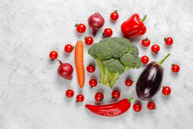 Verduras orgánicas frescas. Foto gratis