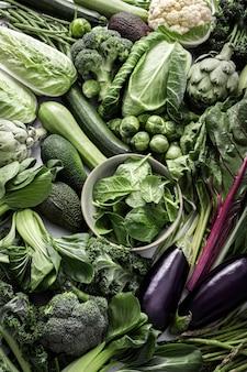 Verduras verdes planas laicos estilo de vida saludable