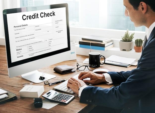 Verificación de crédito concepto de economía de banca financiera