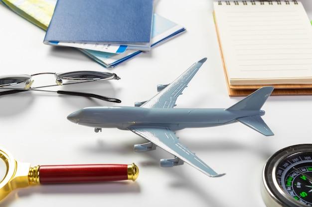 Viajes, vacaciones de verano, turismo y objetos.