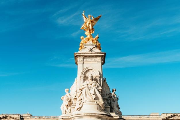 Victoria memorial monument london