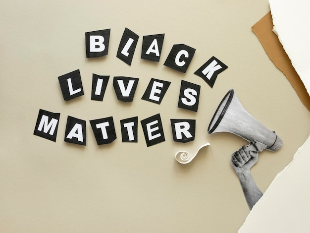 Las vidas negras importan con megáfono