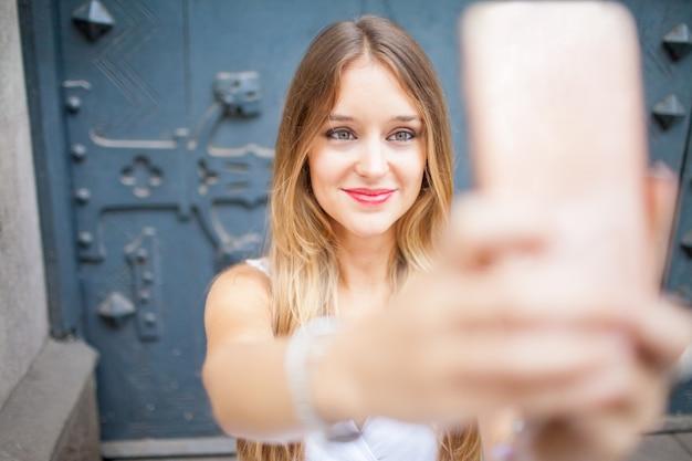 Video blogger de contenido para seguidores