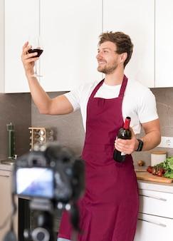 Video de degustación de gemidos masculinos guapos