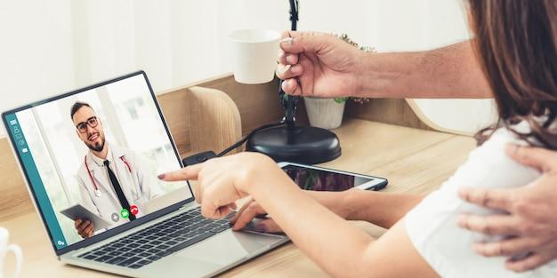Video en línea del servicio de telemedicina del doctor para el chat médico virtual de salud del paciente