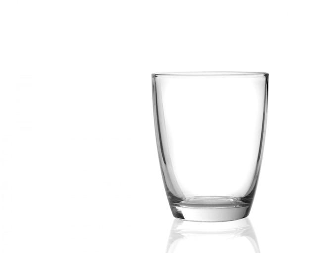 Vidrio sobre un fondo blanco de superficie