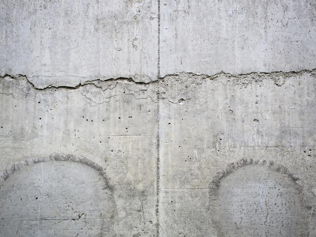 Vieja pared de superficie de hormigón sucio con manchas de agua