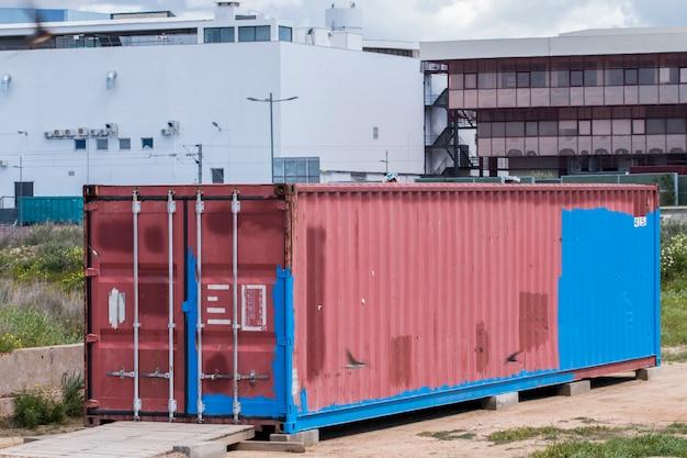Viejo contenedor de carga