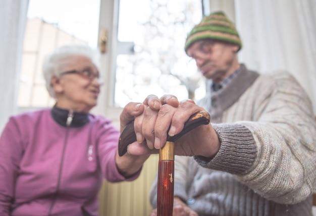 Viejo feliz pareja