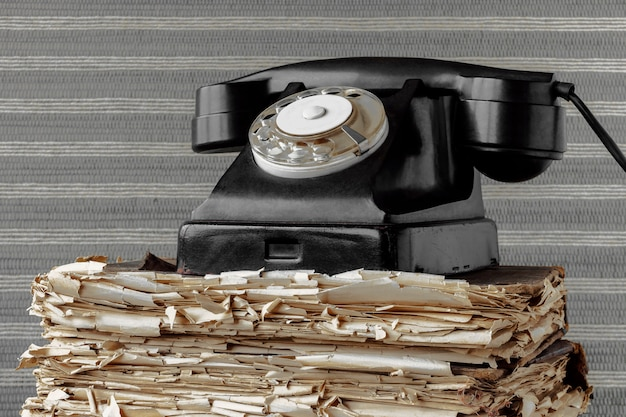 Viejo telefono negro