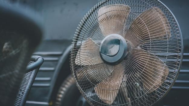 Viejo ventilador industrial