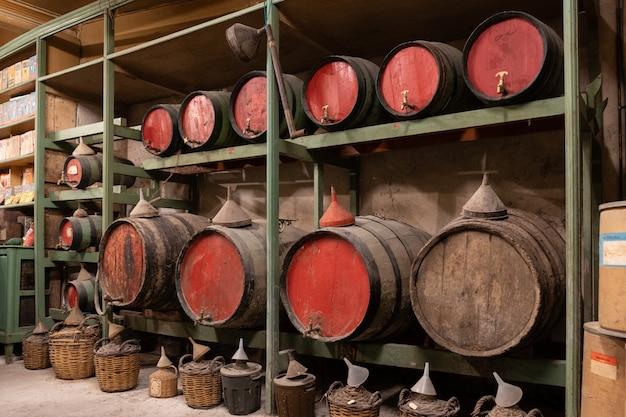 Viejos barriles de vino
