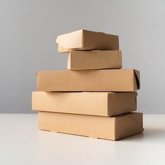 Viernes negro conjunto de cajas apiladas