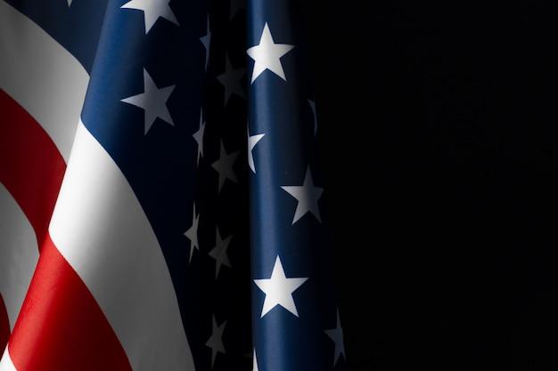 Vintage bandera americana en una pizarra con espacio para texto