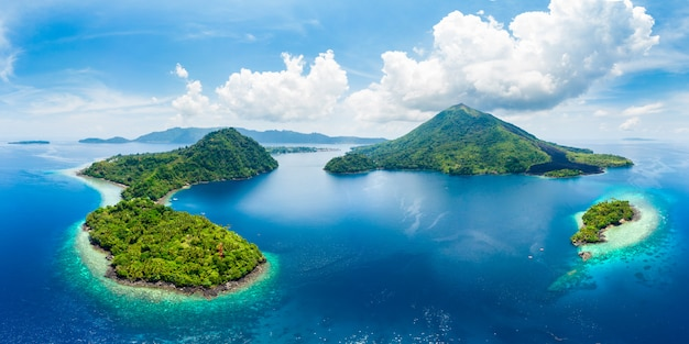 Vista aérea del archipiélago de las islas banda molucas indonesia