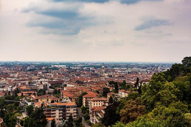 Vista aérea de bérgamo, lombardía, italia
