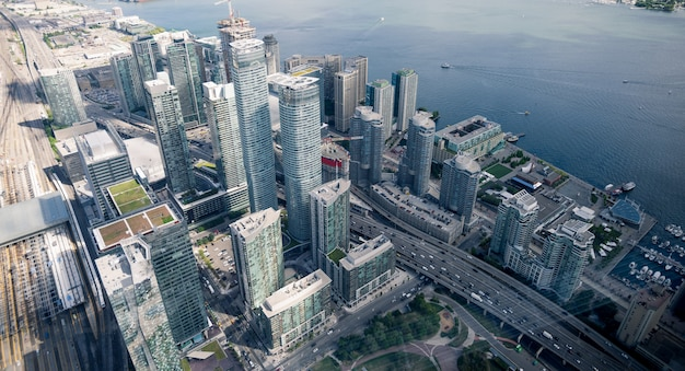 Vista aérea del horizonte de la ciudad de toronto, canadá
