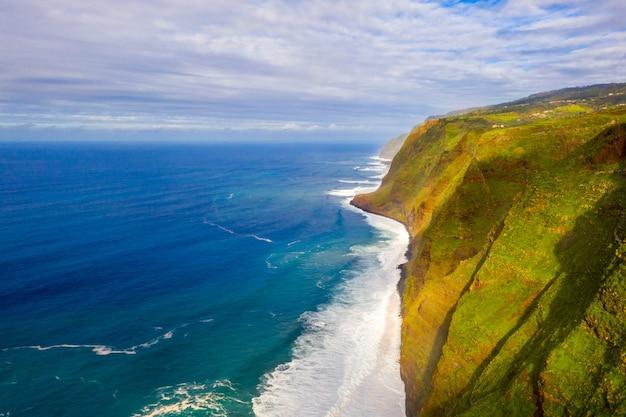 Vista aérea de la isla de madeira.