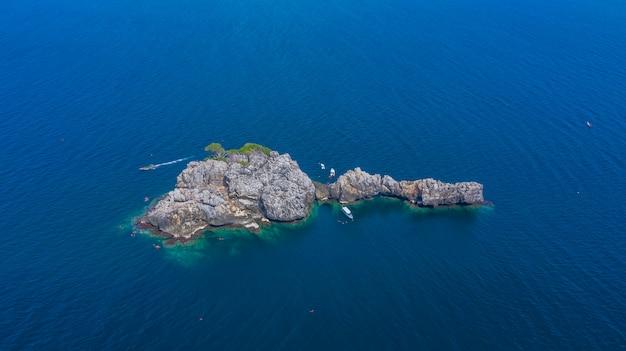 Vista aérea lan ped lan isla kai, buceo con tiburón ballena y snorkel en tailandia, chumporn