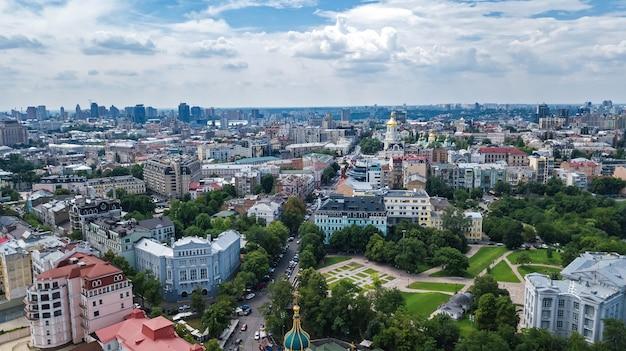 Vista aérea del paisaje urbano de kiev