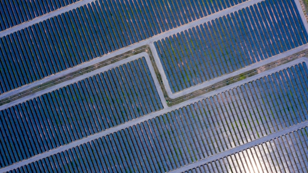 Vista aérea de paneles solares.
