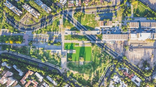 Vista aérea de un parque verde