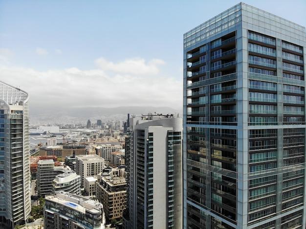 Vista desde arriba del paisaje urbano de beirut en líbano
