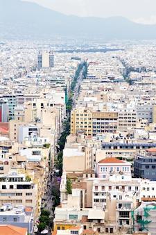 Vista de la calle de plaka, atenas, grecia