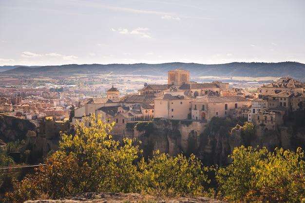 Vista desde la capital de cuenca en la región de castilla-la mancha en españa.
