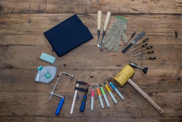 Vista cenital de colección de herramientas