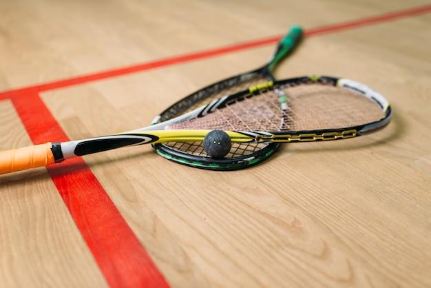 Vista de cerca del equipo de juego de squash