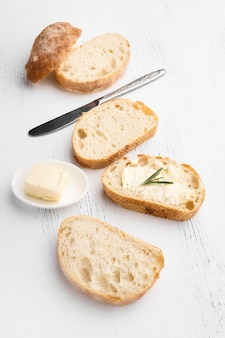 Vista cercana del concepto de rebanadas de pan