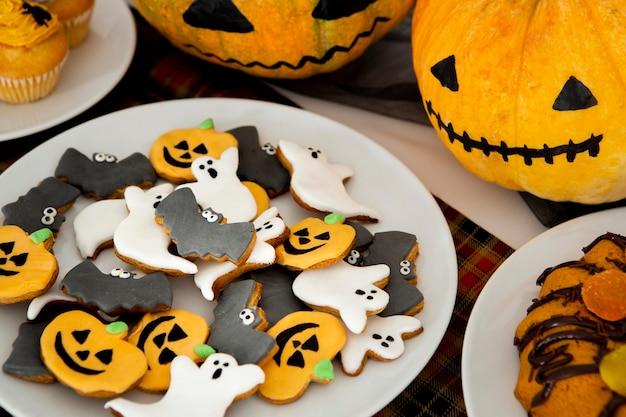 Vista cercana de deliciosas galletas de halloween
