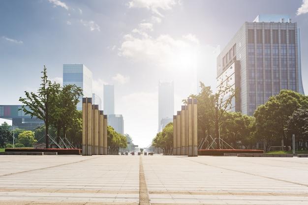 Vista de una ciudad desde el suelo