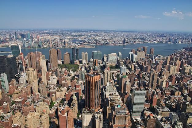 La vista desde el empire state building en nueva york, estados unidos