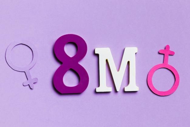 Vista frontal 8 de marzo y signos de género